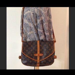 Authentic Vintage Louis Vuitton Saumur 30